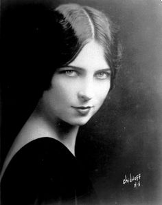 """Agnes Moorehead, a beauty in her youth; later the mother-in-law in """"Bewitched"""""""