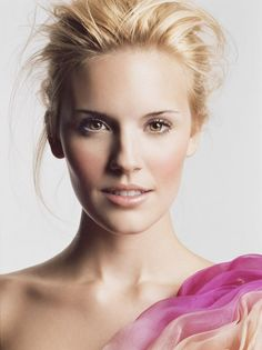Beauty Inspiration | Beautiful Fresh Face #natural #clean #makeup #look #pmtscoloradosprings #paulmitchell Via: http://www.imgspark.com/image/view/4f86ecea1f9221af04000bfa/