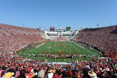 Pac-12 college football stadiums ranked by capacity in 2014
