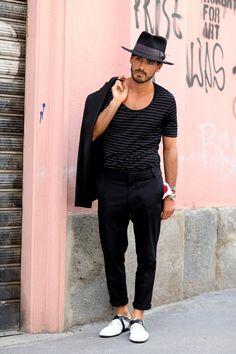 A men's look worth taking notice of: in Milan