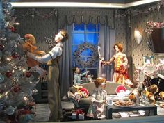 Festive Family Christmas in the 2006 Lord and Taylor Holiday Window Displays | #holiday #christmas #decoration #interior #santa #movie #theme #animatronics #lights #retail #icsc #cre | arkansasconstruction.co and Facebook.com/cni.arkansas