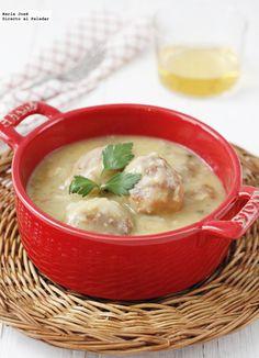 Receta de albóndigas de merluz en salsa de vino blanco