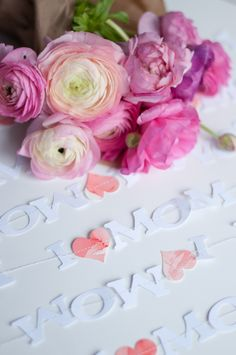 Mothers Day Garland #mothersday #DIY #creative #dreamoutloud
