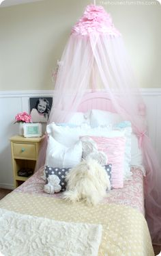 Girly Bedroom Reveal - thehouseofsmiths.com #girlybedroomelements #princessbedroom #classicgirlybedroomdesign #houseofsmiths