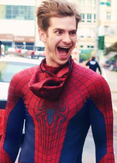 Spider-Man and Andrew Garfield are things that I love both independently and dependently. THIS PICTURE.