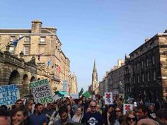 Great update from the #PeoplesClimate March in Edinburgh by Edinburgh University Oxfam group http://fb.com/183483065063404/photos/a.539879352757105.1073741826.183483065063404/709710572440648