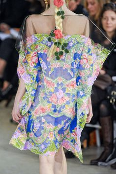 florals. bam. in the hair.