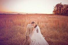 Monochromatic Wedding Palate : Neutrals