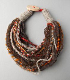 Small Scarf Necklace of Sheep and Alpaca Wool/Collar bufanda pequeño de lana de oveja y alpaca