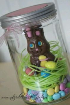 Provided this as a craft activity at a church women's event. cute, fun and easy! good for giving to neighbors. >>>>> Easter mason jar gift