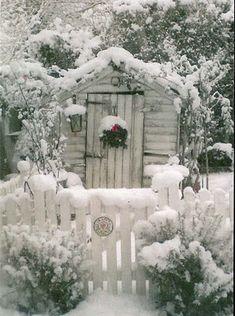 Inspiration Lane winter snow, picket fences, cabin, cottag, winter wonderland, white christmas, winterwonderland, garden, gate