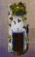 Tejas decoradas y tejas decorativas, trabajos hechos a mano de tejas, tanto pintados a mano como decoradas con pasta de modelar, tejas en miniatura para decorar las tejas, foto de tejas decoradas y artesanas, varios modelos.