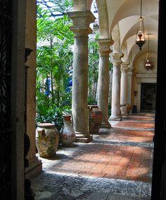ahhh deeeeeep verandahs, so elegant, so practical! #verandah