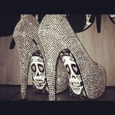 skulls, rhineston, fashion, style, diamonds, pump, painted shoes, heels, halloween