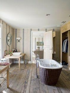 [Interior] Una villa de estilo español con toques de mansión de campo | Decorar tu casa es facilisimo.com