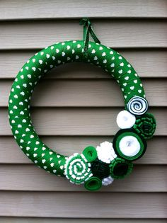 St Patricks Day Wreath  Green & White Shamrock by stringnthings, $42.00