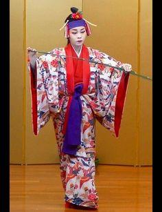 Okinawan traditional dance Ryukyu buyou 琉球舞踊 Japan