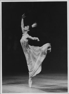 Prima ballerina assoluta prima ballerinas on pinterest for Antony tudor jardin aux lilas