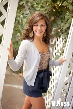 senior picture ideas for girls | Showcase Your Style: Senior Portrait Tips for Girls! » Monty Nuss ...
