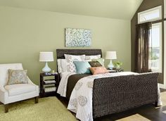 Consumer Reports: Benjamin Moore picks pale green as color of 2015 #ColorTrends2015