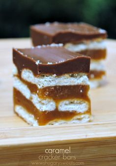 Caramel Cracker Bars: layers of crackers, caramel, and chocolate. SO GOOD!. ☀CQ #easter #sweets #treats