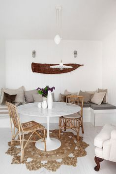 Inside a Stylist's Cottage