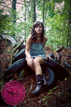Junk Yard Modeling Session Modeling Photographer Tricia Duncan  www.triciaduncanphotographyblog.com #Junk #photography