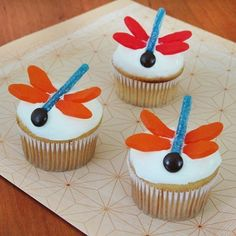 Dragonfly Cupcakes.