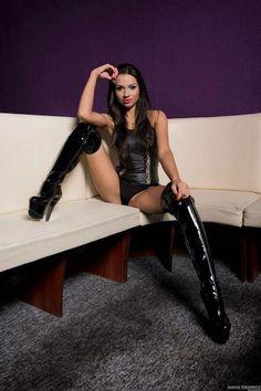 Seyx girl in High heel boots