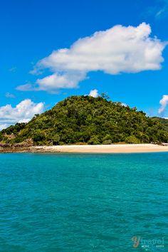 Cruising the Whitsunday Islands on the way to Whitehaven Beach, Australia