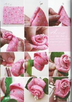 Rosa de tecido by Pespontinhos, via Flickr