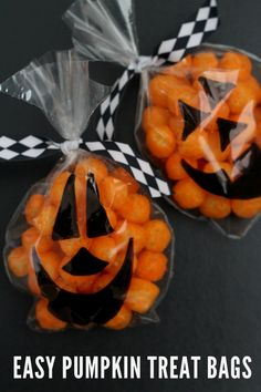 EASY Pumpkin Treat Bags on { lilluna.com }