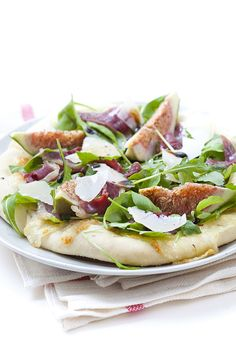 Fig and smoked duck (or bacon) pizza