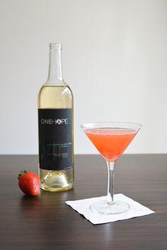 Strawberry Sauvignon Blanc Martini recipe featuring @onehopewine // www.cupcakesandcutlery.com