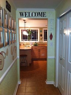 RoomMater Karen W. paired our #RoomMates #PeelAndStick #wallquotes w/ seasonal #decals on her entryway. #GetInspired