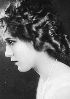 Mary Pickford, 1920s.