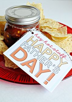 Salsa and chips gift idea with printable tags for Father's Day.  Perfect for the guy who is hard to buy!
