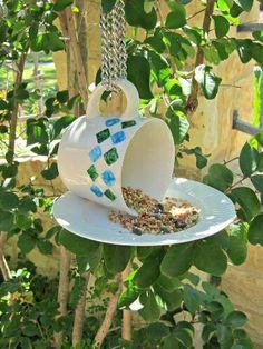 Cup  saucer bird feeder