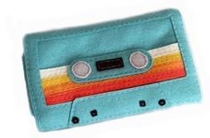 funky ipod pouch - i want one