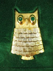 Avon Jewelled Owl Modernist Pin Mint Original Box