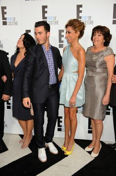 Denise Jonas, Kevin Jonas, Danielle Jonas and Angela Deleasa - Married to Jonas