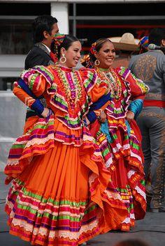 Jalisco :D  (Ballet Folklorico de la Universidad de Colima)