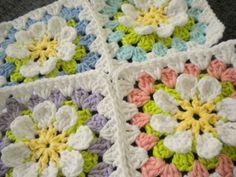Flower Garden Granny Square - Free crochet pattern.