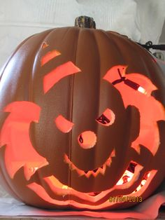 Pumpkin carving on pinterest 30 pins for Clown pumpkin painting