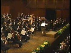 "Luciano Pavarotti sings ""Granada"""