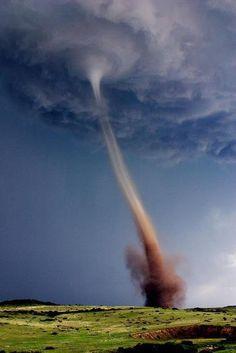 An Amazing Shot of a Tornado in Colorado     credit Zachary Caron