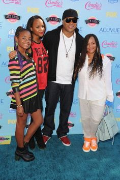 LL. Cool J arrived in style with his family right by his side at the 2013 Teen Choice Awards.