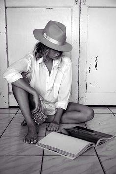 chic hat & classic white shirt #style #fashion