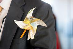 Pinwheel boutonniere #groom #style #pinwheel #boutonniere