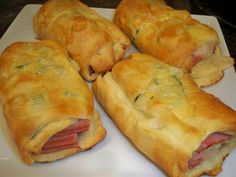 Easy Ham & Cheese Breakfast Pockets - 279 calories..but I think I'll use cheddar :)